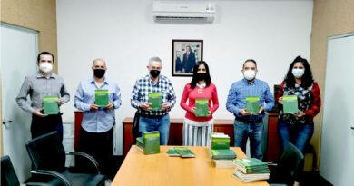 Secretaría de Cultura recibe libro sobre educación en casa
